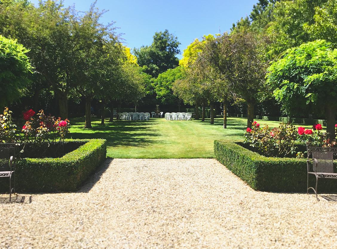 Woodend Gardens